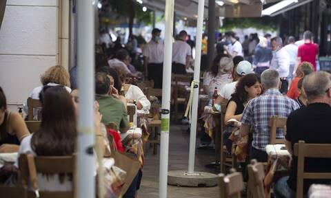 Ωράριο καταστημάτων: Τι ώρα κλείνουν μπαρ, εστιατόρια