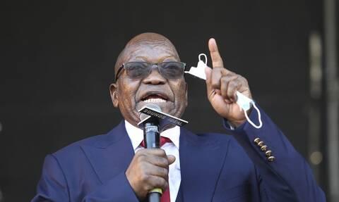 Nότιος Αφρική: Σε 15 μήνες φυλάκισης καταδικάστηκε ο πρώην ισχυρός άνδρας της χώρας Τζέικομπ Ζούμα
