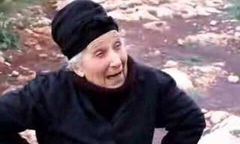 Η Ελληνίδα γιαγιά είναι μια καθημερινή ηρωίδα στις ζωές μας