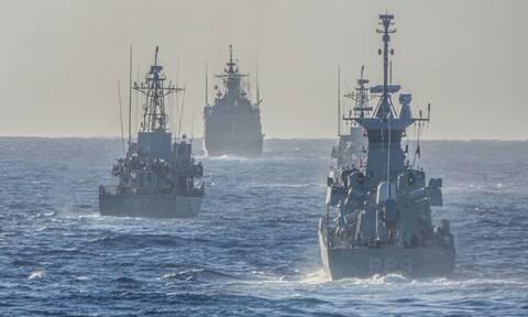 Φρεγάτες: Γιατί καθυστερούμε; Η «πολιορκία» στη Μεσογείων, τα «χασομέρια» των ΗΠΑ και ο κίνδυνος