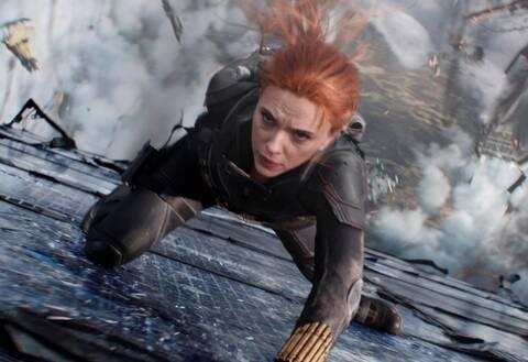 Η Σκάρλετ Τζοχάνσον κρεμάει το κοστούμι της Black Widow
