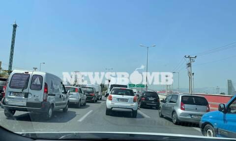 Κίνηση ΤΩΡΑ: Κυκλοφοριακό χάος στην Εθνική Οδό λόγω καραμπόλας