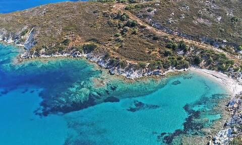 Η «πισίνα» του Αιγαίου μόλις δύο ώρες από την Αθήνα (video)