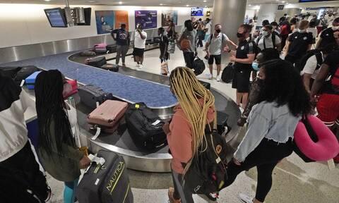 ΗΠΑ: Η κυβέρνηση σταθμίζει τους περιορισμούς στις ταξιδιωτικές μετακινήσεις