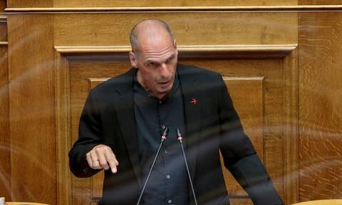 Βαρουφάκης: Το νέο μεσοπρόθεσμο θα οδηγήσει σε πέμπτο μνημόνιο