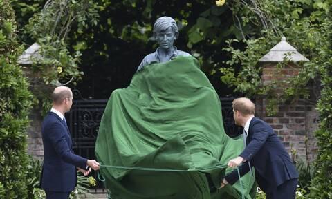 Επανένωση Γουίλιαμ και Χάρι για τα αποκαλυπτήρια του αγάλματος της Νταϊάνα