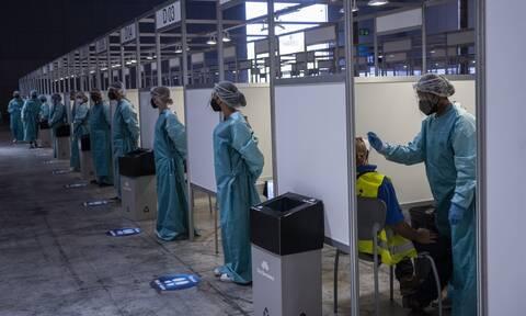 Κορονοϊός - Ισπανία: Τα νέα κρούσματα εκτοξεύτηκαν στα 12.345, παρά το ρεκόρ εμβολιασμών