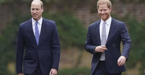 Η γλώσσα σώματος ανάμεσα στον πρίγκιπα William και Harry ξαφνιάζει