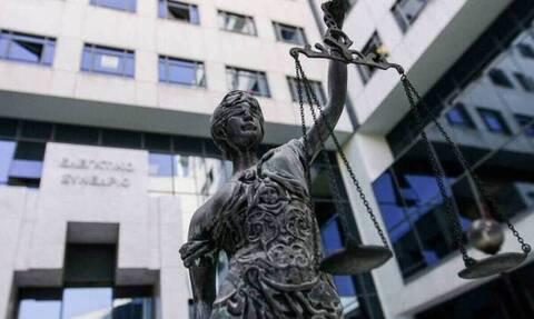 Μείωση προστίμων και ποινών για όσους «ξεπλένουν» χρήμα – Τι προβλέπει σχέδιο νόμου