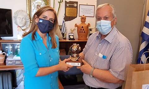 Ζωή Ράπτη: Στην Κάλυμνο η υφυπουργός Υγείας - Επισκέφθηκε το Γενικό Νοσοκομείο - Κέντρο Υγείας