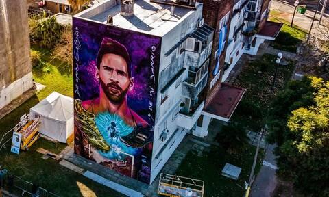Λιονέλ Μέσι: Μαγικό! Το εκπληκτικό γκράφιτι στο παλιό του σχολείο (photos)
