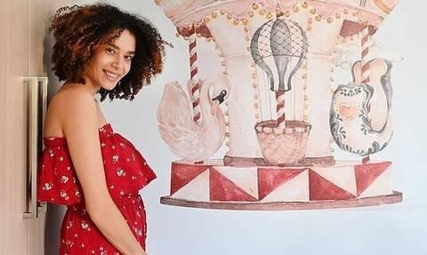 Μαριάννα Παινέση: Δημοσίευσε φωτογραφία με την μικροσκοπική της κόρη