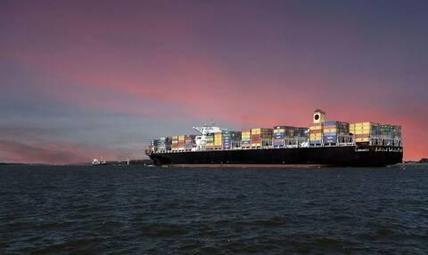 Ισραηλινό φορτηγό πλοίο δέχθηκε επίθεση στον Ινδικό Ωκεανό από άγνωστο όπλο