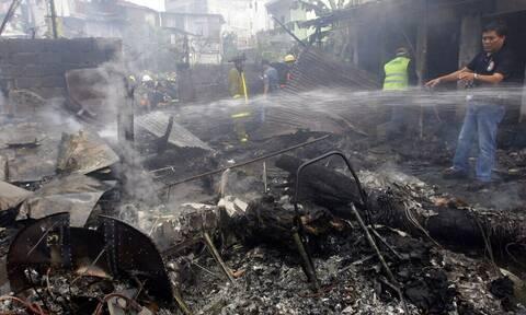 Τραγωδία στις Φιλιππίνες: Συνετρίβη στρατιωτικό αεροσκάφος με 85 επιβαίνοντες - Έχουν διασωθεί 15