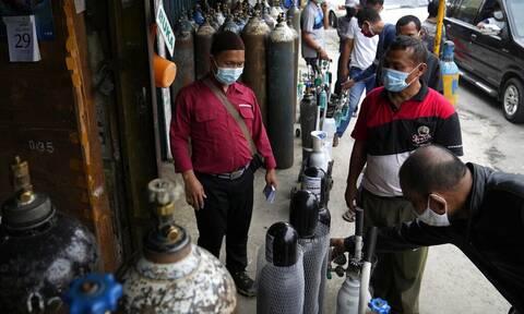 Ινδονησία: Η χώρα αυξάνει την παραγωγή οξυγόνου, μετά το θάνατο δεκάδων ανθρώπων λόγω κορονοϊού