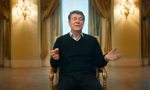 Euro 2004: Ο Ρεχάγκελ τραγουδάει τον εθνικό ύμνο της Ελλάδας (video)
