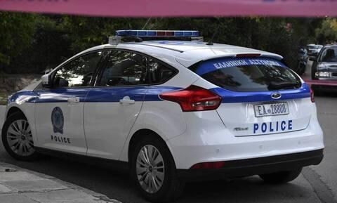 Συναγερμός στην Χαλκιδική: «Επιδρομή» μπράβων σε καφέ-μπαρ - Πυροβόλησαν και τραυμάτισαν 20χρονο