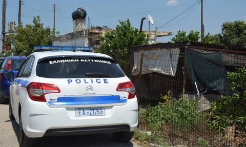 Λαμία: Ρομά επιτέθηκε με μαχαίρι σε σεκιουριτά για να μπει στα ΚΕΠ