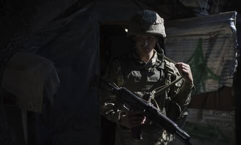 Ουκρανία: 2 στρατιωτικοί νεκροί και 4 τραυματίες από πυρά των φιλορώσων αυτονομιστών