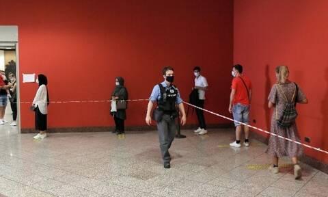 Κορονοϊός: Ουρές στο Σύνταγμα για δωρεάν rapid test