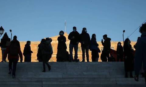 Κορονοϊός - Σαρηγιάννης: Ανατροπή επιδημιολογικής πορείας - 2.600 τα κρούσματα στο τέλος Ιουλίου