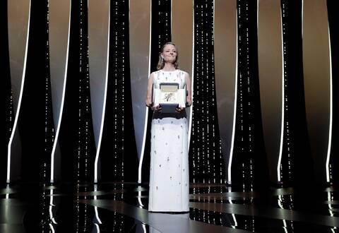74o Φεστιβάλ των Καννών: Η τιμητική βράβευση της Τζόντι Φόστερ με Χρυσό Φοίνικα