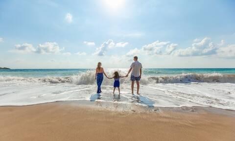 Ποιοι εργαζόμενοι γονείς είναι δικαιούχοι των νέων γονικών αδειών