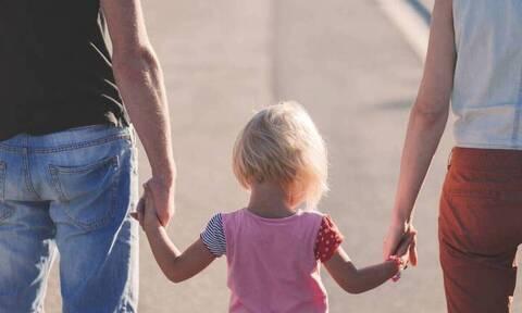 Σε ισχύ οι διατάξεις για τις νέες άδειες των εργαζομένων - Η άδεια πατρότητας