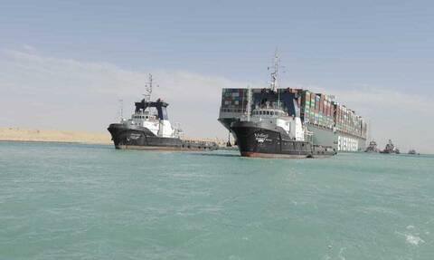 Απελευθερώθηκε και σάλπαρε προς τη Μεσόγειο το πλοίο Ever Given, που είχε κλείσει το Σουέζ