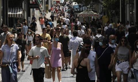 Через неделю в Греции ожидается до 2200 новых случаев заражения COVID-19 в день