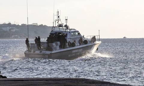 Σκάφος με 8 άτομα βυθίστηκε στη Νάξο – Συναγερμός στο Λιμενικό
