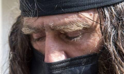 Δίκη Γιακουμάκη: «Το ένοχοι μας καλύπτει», δήλωσε ο πατέρας του Βαγγέλη – Συγκίνηση στο Ρέθυμνο