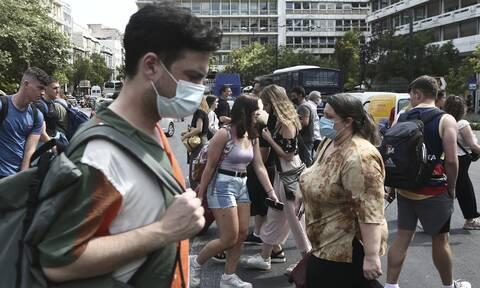 Πισωγύρισμα με τη ραγδαία αύξηση των κρουσμάτων: Σκέψεις για νέα μέτρα - Τι θα γίνει με τις μάσκες