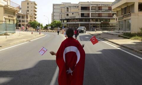 Κυπριακό - Κομισιόν πριν την επίσκεψη Ερντογάν: Δεν θα δεχθούμε ποτέ λύση δύο κρατών για την Κύπρο