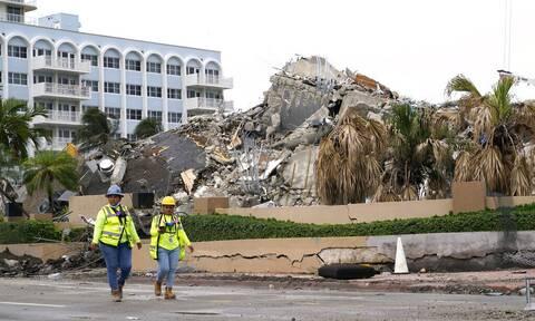 Κατάρρευση πολυκατοικίας στη Φλόριντα: Η έρευνα περνά στη φάση της ανάκτησης των πτωμάτων