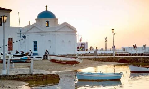 Conde Nast Traveller: Η Ελλάδα και ειδικά οι Κυκλάδες αποτελούν την ιδανική λύση για διακοπές