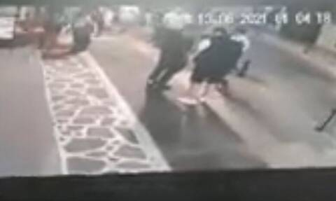 Χαλκιδική: Βίντεο - ντοκουμέντο - Πυροβολισμοί έξω από μπαρ - Δύο τραυματίες