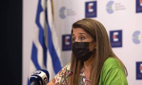 Παπαευαγγέλου: Στα 23 έτη ο μέσος όρος ηλικίας των ασθενών - 9.000 τα ενεργά κρούσματα στην Ελλάδα