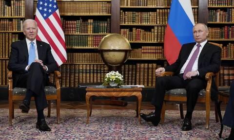 Τηλεφωνική επικοινωνία Πούτιν - Μπάιντεν: Τι συζήτησαν