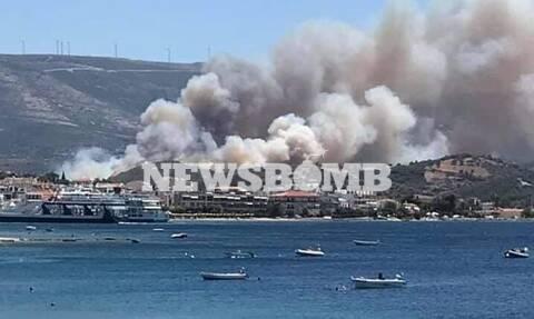 Ρεπορτάζ Newsbomb.gr: Ξεφεύγει η φωτιά στα Στύρα - Εκκενώθηκε οικισμός, μάχη με τους ανέμους