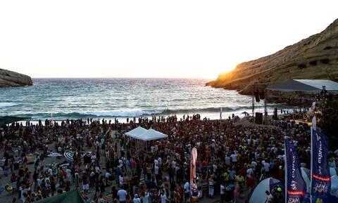 Η πασίγνωστη παραλία της Κρήτης που έχει «βουλιάξει» από επισκέπτες!