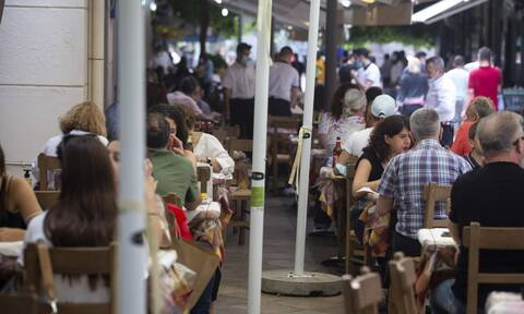 Εστίαση: Tα πρώτα πρόστιμα και «λουκέτα» σε καταστήματα - Τι αλλάζει από τις 15 Ιουλίου
