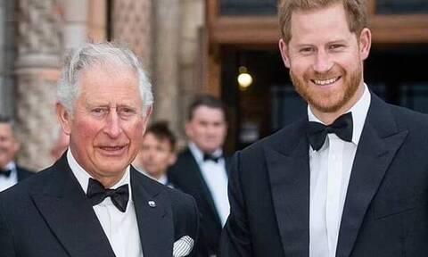 Πρίγκιπας Κάρολος - Χάρι: Μυστήριο με συνάντηση πατέρα και γιού – Τι συμβαίνει με τη σχέση τους