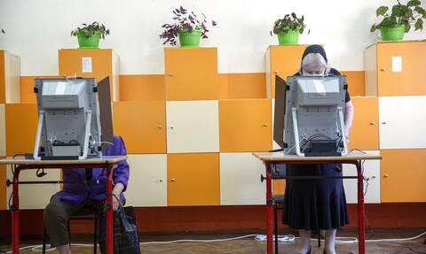 Βουλγαρία εκλογές: Προηγείται με μικρή διαφορά το κόμμα του πρώην πρωθυπουργού Μπορίσοφ