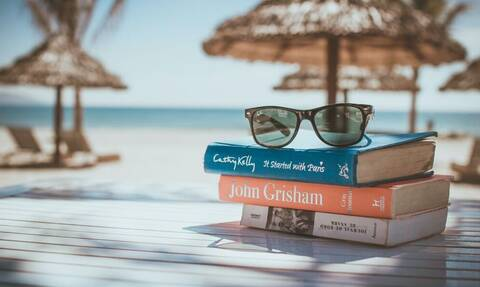 5 βιβλία για να διαβάσεις φέτος στην παραλία!