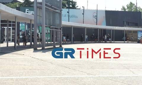Θεσσαλονίκη: Ουρές για δωρεάν rapid test (video)