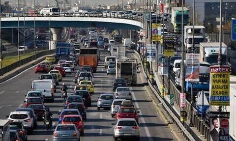 Κίνηση ΤΩΡΑ: Απέραντο πάρκινγκ ο Κηφισός - Δεν κουνιέται τίποτα και στα δυο ρεύματα