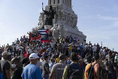 Κούβα: «Θέλουμε τρόφιμα, εμβόλια, ελευθερία» - Η κρίση στην Αβάνα και οι σχέσεις με τις ΗΠΑ