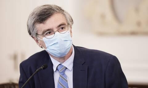 «Καμπανάκι» Τσιόδρα: Μεγάλη η διασπορά του ιού στην κοινότητα – Είμαστε συνοδοιπόροι με την Εκκλησία