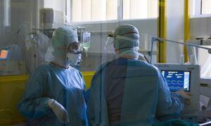 Выбор без выбора или как добровольная вакцинация в Греции превратилась в принудительную